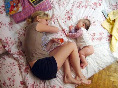 togliere bambino dal lettono